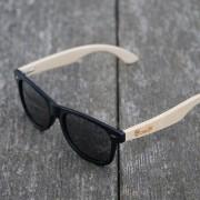 naravni-babmus-lesena-sončna-očala-Owlet-Black