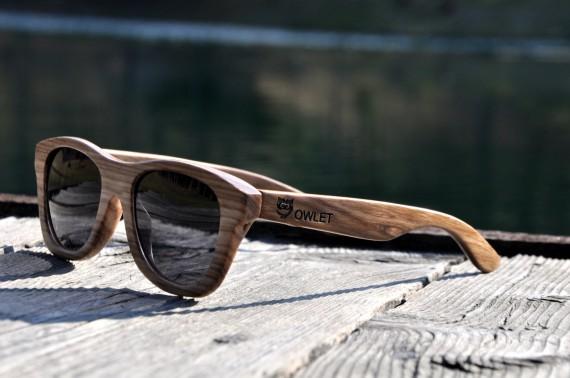 Classic Owlet ob jezeru
