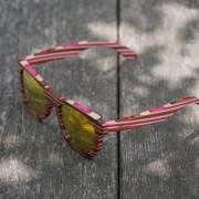 barvne-leče-lesena-sončna-očala-Owlet-Rainbow-Pink