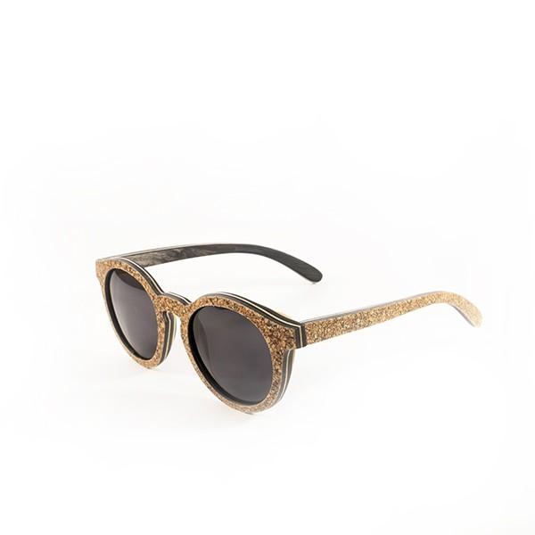 lesena-sončna-očala-pluta