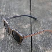 pluta-okrogla-lesena-očala